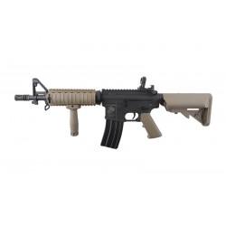 Replica M4 SA-C04 CORE™ Negru / Tan Specna Arms