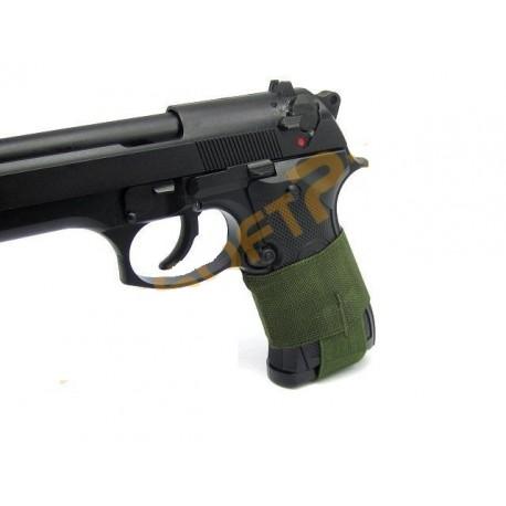 Mag holder pistol